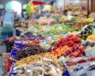 Сколько овощей и фруктов продается на рынке «Столичный»?